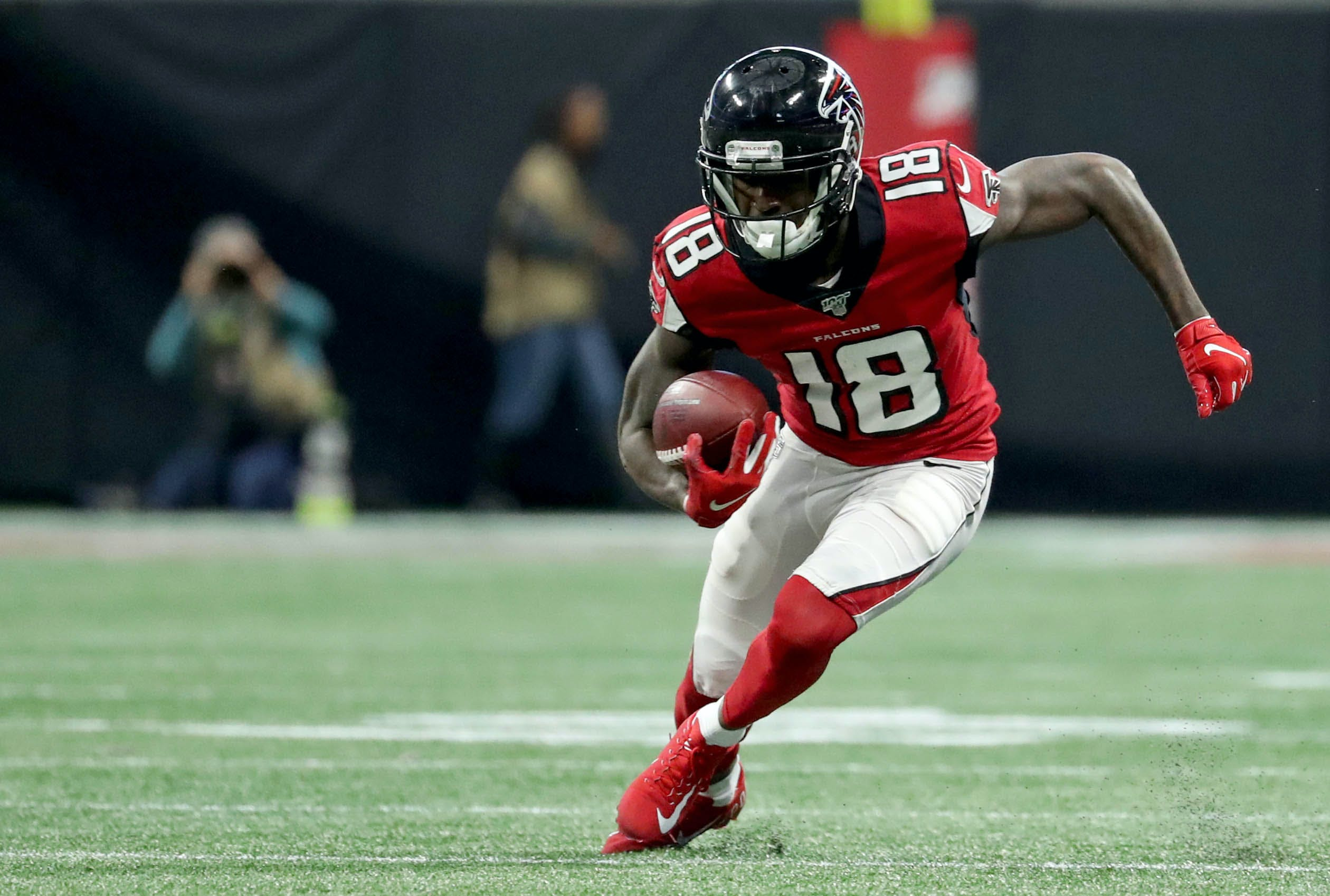 Nfl Film Breakdown Why Calvin Ridley Could Have A Better Year Than Julio Jones Weekly Spiral